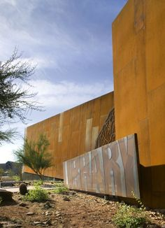 Image 10 of 22 from gallery of Arabian Library / richärd+bauer. Photograph by Bill Timmerman Library Architecture, Modern Architecture Design, Amazing Architecture, Architecture Drawings, Environmental Graphics, Environmental Design, Desert Environment, Wayfinding Signage, Corten Steel