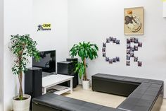Escape Room in Wien - das heißt, euch bleibt eine Stunde Zeit, dem Raum zu entkommen. Bist du bereit für unsere Missionen? Escape Room, Home Decor, Centre, Homemade Home Decor, Decoration Home, Interior Decorating