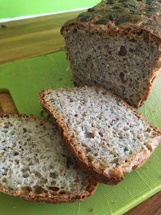 Grovt speltbrød som til og med ungene liker - Grønn Matportal Banana Bread, Food And Drink, Desserts, Bakken, Tailgate Desserts, Deserts, Postres, Dessert, Plated Desserts
