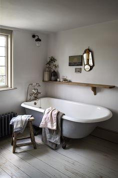 Awesome Cottage Bathroom Design Ideas - Home Design - lmolnar - Best Design and Decoration You Need Serene Bathroom, Minimal Bathroom, Beautiful Bathrooms, Natural Bathroom, Simple Bathroom, White Bathroom, Bathroom Colours, Parisian Bathroom, Grey Bathroom Decor