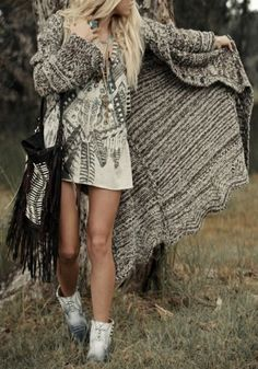 love this feather printed dress, fringe purse and huge cardigan. Pair with wedges or cowboy boots instead!