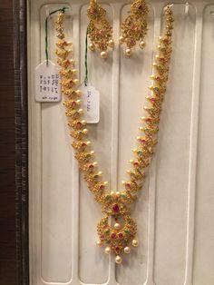 100 Gms necklace uncuts Gold Mangalsutra Designs, Gold Earrings Designs, Necklace Designs, Gold Designs, Diamond Jewelry, Gold Jewelry, Fine Jewelry, Gold Necklace, Diamond Necklaces