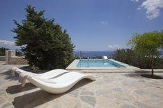 Calme Oregano Deluxe Sea View Room in Paros!