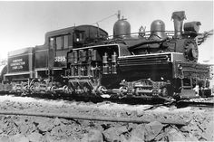 Harry McLean's Dominion Construction and Grenville Crushed Rock Operations at Deeks. 1926 Shay now displayed at Kapuskasing, Ontario. Canadian Culture, Abandoned Train, Train Pictures, Steamers, Bus Station, Space Architecture, Back Doors, Steam Engine, Train Tracks