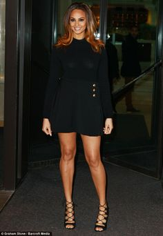Amanda Holden heads to BGT auditions with voluminous golden hair Beautiful Goddess, Beautiful Legs, Gorgeous Women, Alisha Dixon, Strictly Come Dancing Winners, Ciara Style, Halle Berry Hot, Curvy Fashion, High Fashion