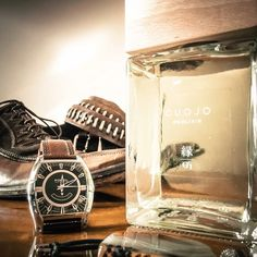 Un profumo è un gesto, una sensazione. Un profumo, è la porta aperta sul meraviglioso. Una questione di pelle, di contatto, di emozione. La magia in diretta (Victor & Rolf)  #cuojo #altaprofumeria #altaprofumeriaartigianale #altaprofumeriaitaliana #diffusoriambiente #wood #frassino #legnoso #muschiato  #eleganza #stile #luxury #class #madeinitaly #handmade #classe #homefragrance #profumo #perfume #parfum #profumiperambiente