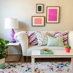 5 Simple Gallery Wall Templates: Three's a Charm Rugs In Living Room, Home And Living, Living Room Decor, Living Spaces, Living Room Inspiration, Home Decor Inspiration, Home Interior, Interior Modern, Classic Interior