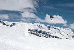 One minute, one jump – Mario Skála