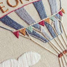 *english below* Detalhes ~ com ponto livre nas cordas do balão ☁️ {detail ~ with free stitch for the balloon rope ☁️} #clubedobordado #detail