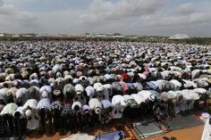 Thousands of Somali refugees in Dadaab pray during Eid al-Fitr celebrations at the end of Ramadan.  (Photo: Jonathan Ernst/Reuters)