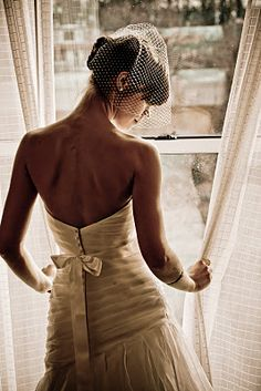 bridal portrait. morning wedding.