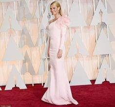 Presenter Gwyneth Paltrow In Ralph and Russo Couture at Oscars 2015