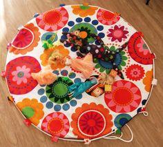 Tapis de jeux nomade / sac à jouets - motifs fleurs 70' multicolores : Jeux, jouets par lescreasdebea