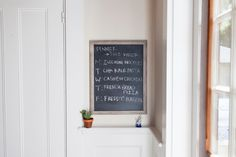 Pioneer Woman - Old Picture Frame = New Chalkboard Sign. Love this!