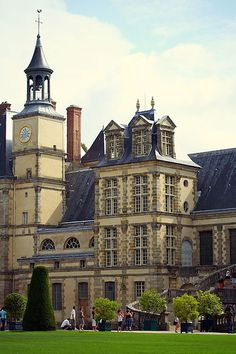 Château de Fontainebleau - ill be staying here on my birthday 2013 woohoo