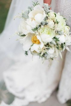 white bouquet by http://www.fioridelchianti.it,  Photography by http://velvetine.nl   Read more - http://www.stylemepretty.com/2013/08/07/italy-wedding-from-velvetine-photography/