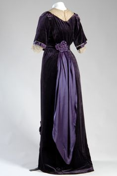 Jeanne Paquin, afternoon gown (rear view), 1910, France,