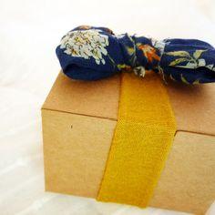 Eco-friendly giftwrap ideas. Love!