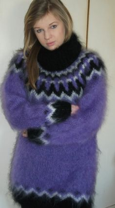 Nordic Sweater, Mohair Sweater, Turtleneck Outfit, Sweater Outfits, Gros Pull Mohair, Icelandic Sweaters, Casual Skirt Outfits, Sweater Fashion, Ladies Dress Design
