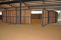 Round pen + covered arena = convenience