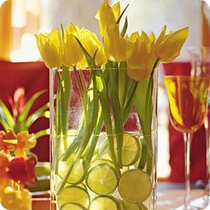 Easter Table Decorations and Centerpieces for Spring This is easy and inexpensive to make. Great table setting for your Easter dinner.This is easy and inexpensive to make. Great table setting for your Easter dinner. Decoration Table, Table Centerpieces, Wedding Centerpieces, Centerpiece Ideas, Easter Centerpiece, Lime Centerpiece, Flower Centerpieces, Summer Centerpieces, Flower Decorations