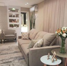 Tudo clarinho e lindo por aqui!  Amei!  @pontodecor | @maisdecorfestas  Projeto Fabiana Werner  www.homeidea.com.br  Face: /homeidea  Pinterest: Home Idea #homeidea #arquitetura #ambiente #archdecor #archdesign #projeto #homestyle #home #homedecor #pontodecor #homedesign #photooftheday #interiordesign #interiores #picoftheday #decoration #revestimento  #decoracao #architecture #archdaily #bege #project #regram #home #casa #grupodecordigital
