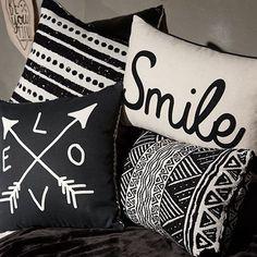 Black And White Home Decor Inspiration Monochrome Bedroom, Bedroom Black, Black White And Grey Bedroom, Black And White Cushions, Diy Pillows, Decorative Pillows, Throw Pillows, Black Grey Living Room, White Home Decor