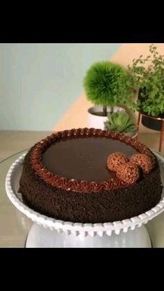 Cake Decorating Frosting, Cake Decorating Designs, Creative Cake Decorating, Cake Decorating Techniques, Cake Decorating Tutorials, Chocolate Cake Designs, Chocolate Decorations, Banana Bread Recipe Video, Nutella Chocolate Cake
