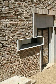 Picture House by Barilari Architetti, Ripatransone, Italy // Dimster Architecture Brick Design, Facade Design, Exterior Design, Interior And Exterior, Architecture Durable, Architecture Design, Amazing Architecture, Brick Building, Building Design