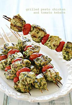 Skinny Grilled Pesto Chicken and Tomato Kebabs ~ These chicken kebobs just SCREAM summer, made with skinny basil pesto and grape tomatoes, flo fat, calories and guide tips cooking Think Food, I Love Food, Good Food, Yummy Food, Grilled Pesto Chicken, Chicken Kabobs, Healthy Chicken, Balsamic Chicken, Grilled Salmon