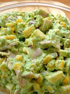 Sałatka z brokułem szynką i serem