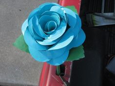 20 Easy Duct Tape Flowers | 101 Duct Tape Crafts--thanx for stealing my pic you jerks(<3 Lorrin)