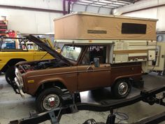 Post with 313 views. A Bronco camper Vintage Campers Trailers, Retro Campers, Cool Campers, Camping Trailers, Travel Trailers, Cabover Camper, Pickup Camper, Old Ford Bronco, Early Bronco