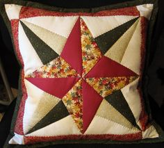 Cojines navideños | Decorar tu casa es facilisimo.com English Paper Piecing, Applique Designs, Diy Projects To Try, Quilt Patterns, Decorative Pillows, Diy And Crafts, Free Pattern, Throw Pillows, Quilts