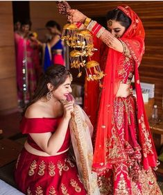 Kalire is a part of bridal jewelry which is worn by the bride to be. Here, we bring to you latest kalire designs trending this wedding season. Indian Wedding Photography Poses, Wedding Poses, Wedding Bride, Wedding Tips, Budget Wedding, Wedding Images, Bride Poses, Wedding Pictures, Wedding Ceremony