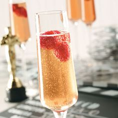 Red Carpet-tini Recipe -Give bubbly Champagne a fruity punch with pomegranate juice and raspberry and orange liqueur. —Taste of Home Test Kitchen, Oscar party Gala Dinner, Party Drinks Alcohol, Alcoholic Drinks, Liquor Drinks, Mimosas, Kentucky Derby, Oscar Food, Champagne Recipe, Champagne Cocktail