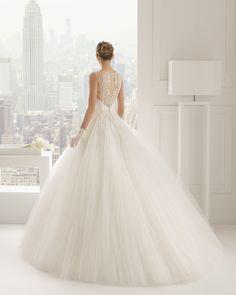 I like the top but not the bottom Rosa Clara Wedding Dresses 2015 - MODwedding