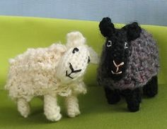 Free knitted sheep pattern and cute story about when they meet Rose a pink sheep. These might make cute friends for the AG minis.