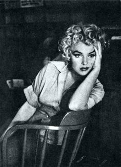 Marilyn looking gorgeous.