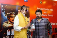 """SHARED AN UNSPOKEN BOND Amitabh Bachchan at the launch of the book """"Murder in Bollywood"""" written by Shadab Amjad Khan (r), in Mumbai, July 14. (Press Trust of India)  Amitabh Bachchan revealed he and his Sholay co-star Amjad Khan had a great friendship that withstood difficult times.  Amitabh Bachchan, 72, who launched the book written by http://siliconeer.com/current/2015/07/17/shared-an-unspoken-bond/"""