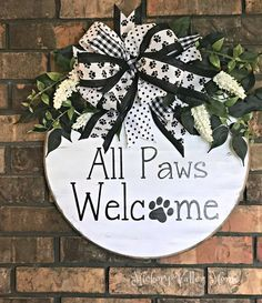 Pet Door Hanger, Large Door Hanger, Paw Print Welcome Sign, Year Round Pet Wreat. Welcome Signs Front Door, Front Door Decor, Wooden Door Hangers, Wooden Doors, Wooden Signs, Dog Wreath, Wooden Wreaths, Pet Door, Diy Porch