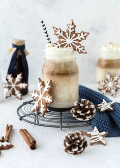 Gingerbread-Cookies, -Siryp and -Latte Macchiato