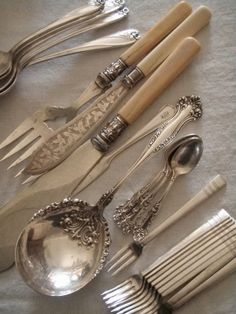 Cutlery that looks like it could have belonged to my great-grandmother, just love it