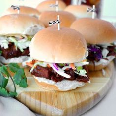 Make these tasty Vegan BBQ Jackfruit Sliders for game day or anytime! The saucy jackfruit is super simple to make, and topped with a fresh green apple slaw. Vegan Pulled Pork, Apple Slaw, Bbq, Vegan Banana Bread, Egg Recipes For Breakfast, Cheap Meals, Kid Friendly Meals, Vegetarian Recipes, Vegetable Recipes