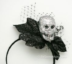Hey, I found this really awesome Etsy listing at http://www.etsy.com/listing/161685596/glitter-skull-fascinator-halloween