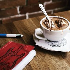 CACAO 70 - American Style Hot Chocolate? Travel Channel, Quebec City, Thunderstorms, Hot Chocolate, Sunny Days, Montreal Travel, Tableware, Instagram Posts, Summer