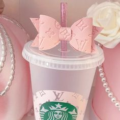 Starbucks Crafts, Starbucks Tumbler, Starbucks Drinks, Baby Pink Aesthetic, Cute Snacks, Rose Colored Glasses, Cute Cups, Just Girly Things, Everything Pink