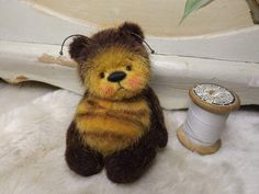 Hunny Bee By Barney Bears - Welcome along to my 'Bumble Bee Bear' named Hunny Bee, this wonderful miniature bear is 4 inches laid out & his sitting height is approx 3.5 inches. Hi is nicely weighted & 5-way cotter pin jointed.He has a really wonderful face with such a cute & gentle expression, he was a real j...