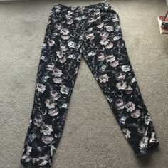 A&F floral joggers and boyfriend jeans bundle Floral joggers from A&F. Comfy and roomy. Goes really cute with crop tops Abercrombie & Fitch Pants Track Pants & Joggers