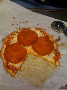 HCG P3: Awesome, yummy almond flour pizza crust (made and loved 1/29/12).